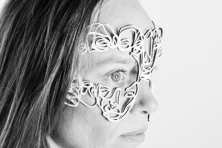 Mask by Salventius and model Janna Handgraaf with white background